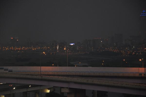 賞賞迷人的夜景.JPG