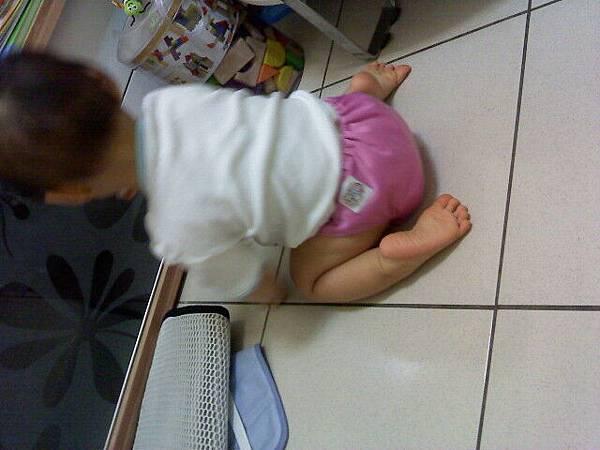 寶貝與布尿褲