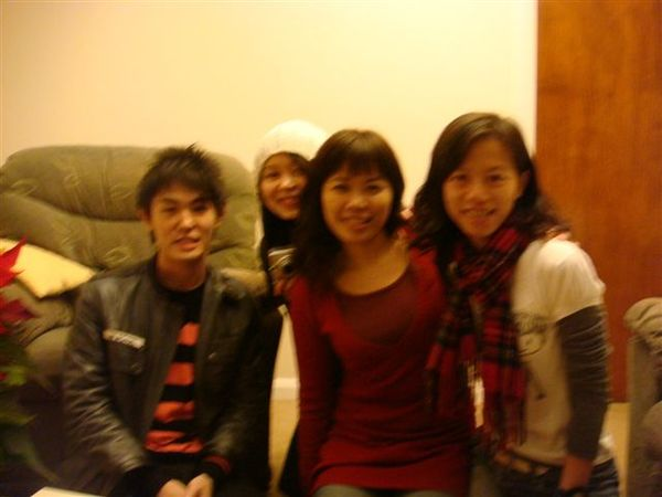 Shimon, Penny, Astrid, chu
