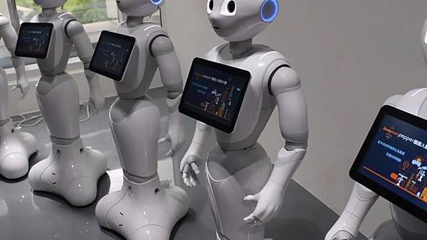 電子代工廠強攻醫聯網、搶攻機器人商機 台股關鍵八家將_02