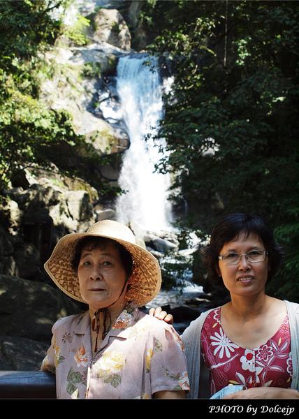 外婆&老媽  <內洞瀑布>