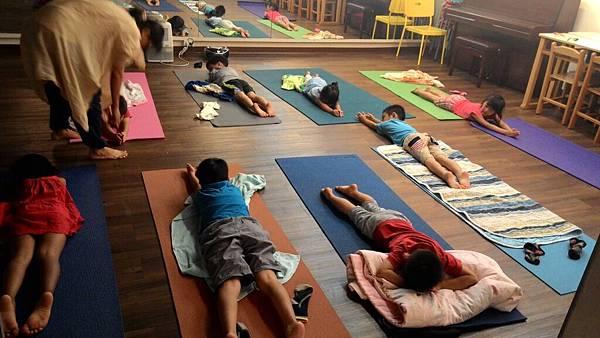 幼兒瑜珈2.jpg