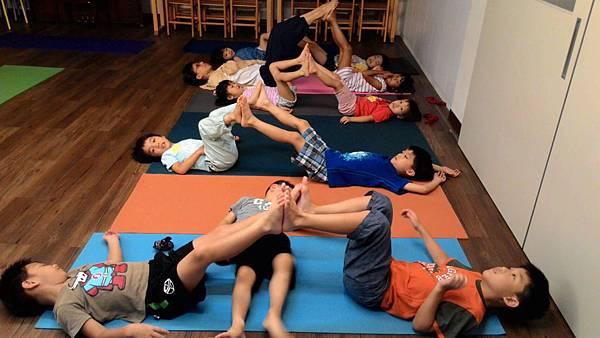 幼兒瑜珈3.jpg