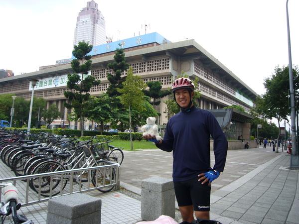 台北車站到了