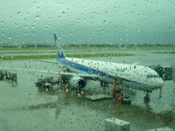 下雨的桃園中正機場
