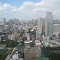 東京鐵塔上的view