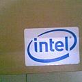 盒上的INTEL商標