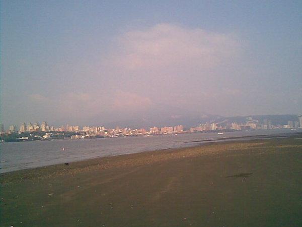 對岸是淡水