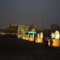夜光裡的國父紀念館