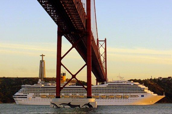 Costa_Fortuna_2012-10-02_03