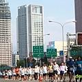 2011富邦台北馬拉松,12萬大軍來勢洶洶! (4).jpg