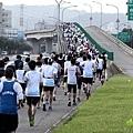 2011富邦台北馬拉松,12萬大軍來勢洶洶! (6).jpg