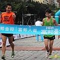 2011富邦台北馬拉松,12萬大軍來勢洶洶! (14).jpg
