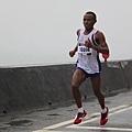 【主題賽事】-『2012 新北市萬金石國際馬拉松,向著細雨迷霧的海岸奔馳吧!』 (13)