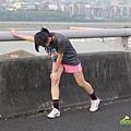2012臺北國道馬拉松,充滿熱氣的柏油路 (18)