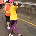 2012臺北國道馬拉松,充滿熱氣的柏油路 (23)