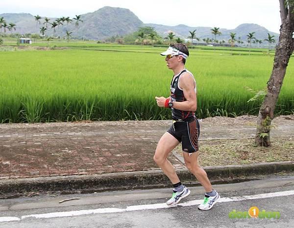 【主題賽事】-『2012台東活水湖國際鐵人三項賽,來挑戰全台最優質的賽場!』 (1)