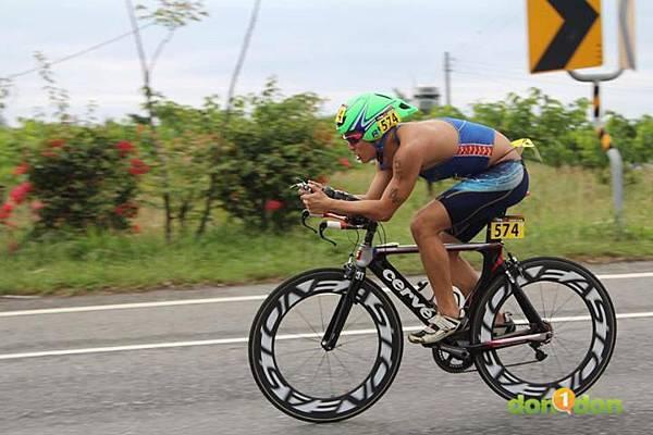 【主題賽事】-『2012台東活水湖國際鐵人三項賽,來挑戰全台最優質的賽場!』 (3)