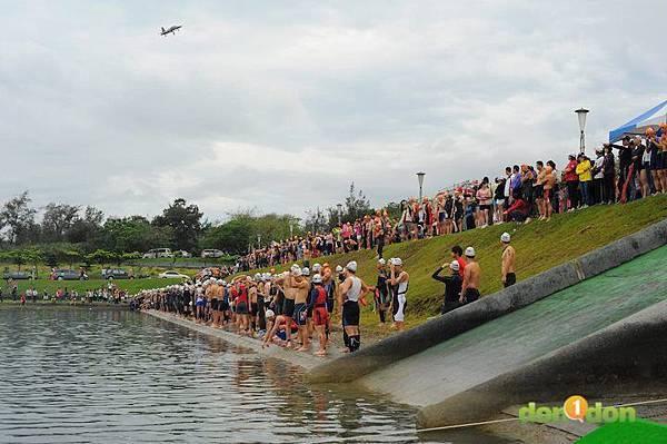 【主題賽事】-『2012台東活水湖國際鐵人三項賽,來挑戰全台最優質的賽場!』 (6)
