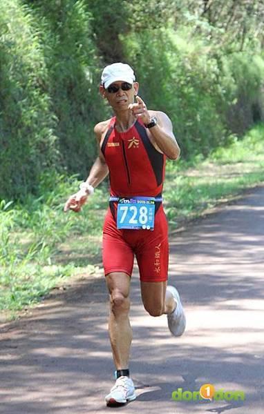 【主題賽事】-『2012台東活水湖國際鐵人三項賽,來挑戰全台最優質的賽場!』 (14)