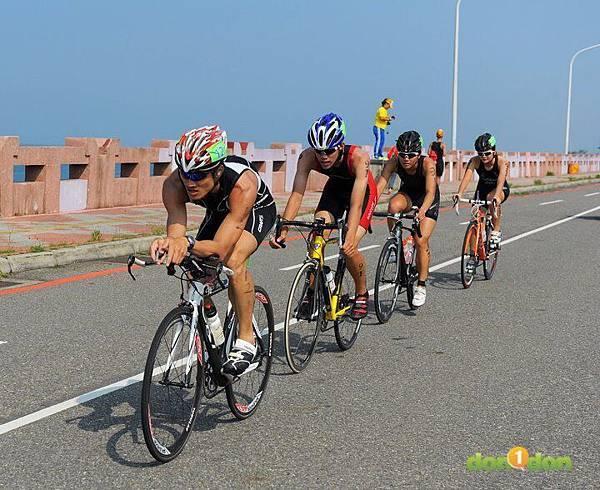 【主題賽事】-『2012台南安平國際鐵人三項錦標賽,和陽光奮力一搏』 (29)