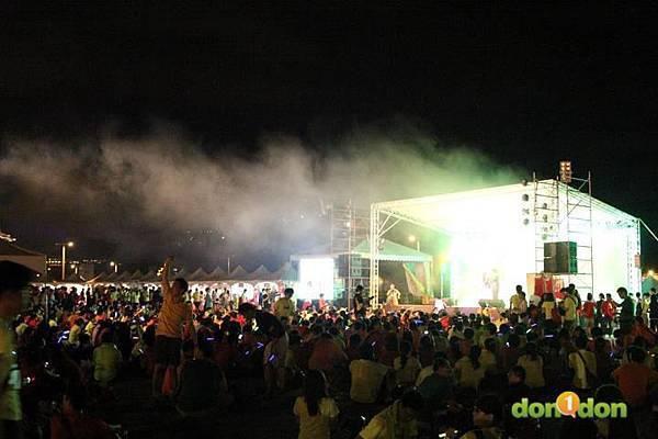 【主題賽事】-『2012PUMA螢光夜跑台北站,一場盛大的螢光party』  (25)