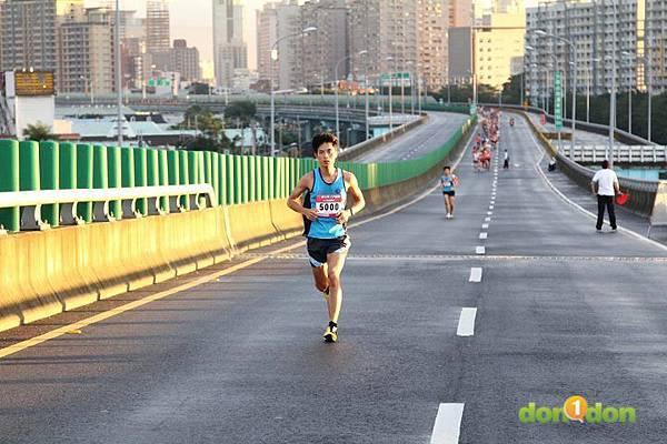 【主題賽事】-『2012八方雲集公益路跑賽,豆漿路跑做愛心』 (8)