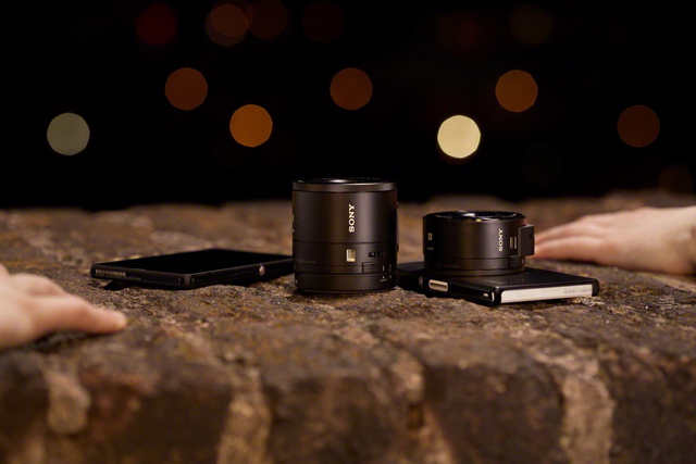 【Sony新聞圖片】 Cyber-shot DSC QX10 外接式鏡頭相機及  Cyber-shot DSC QX100 鏡頭型相機