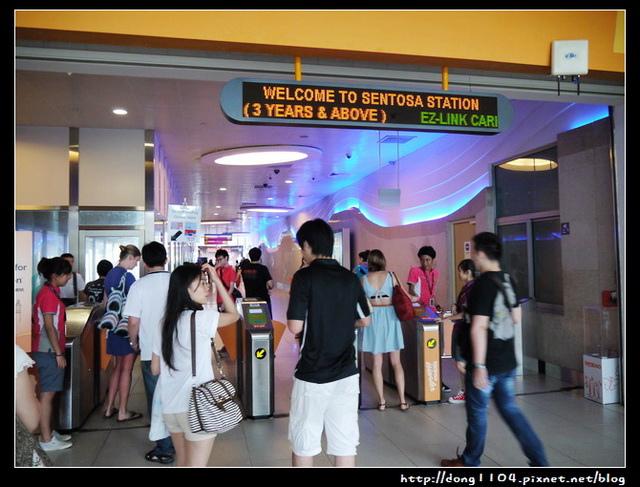 新加坡。聖陶沙捷運站。海灘捷運站