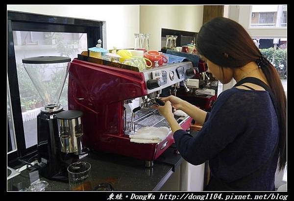 【台北美甲】邊喝現沖咖啡邊做手部光療彩繪 忠孝復興美甲 Misty99 Nail 蜜斯緹專業美甲美睫沙龍