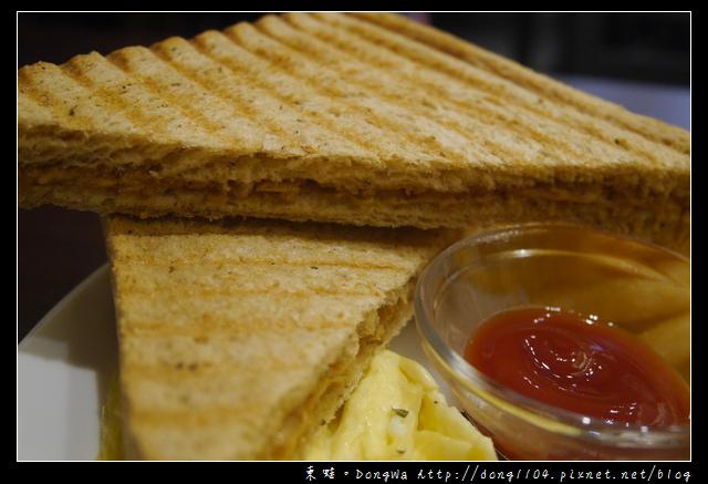 【中壢食記】中原大學早餐|帕尼尼 鬆餅 鍋燒麵專賣|TuesDay 吐司時光 輕食早午餐