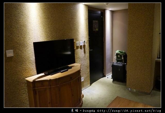【台中住宿】台中高質感飯店推薦|特選客房 柚木傢俱客廳 TOTO衛浴設備|薆悅酒店台中館 Inhouse Hotel Taichung