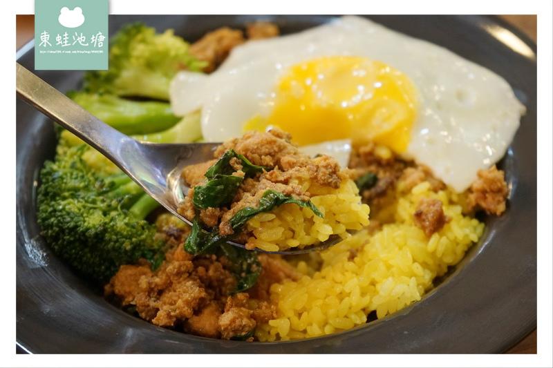 【台北松山區市場美食】中崙市場 南洋風味泰式料理 泰好吃