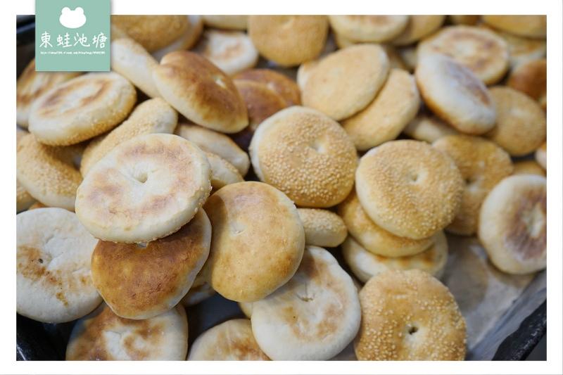 【台北萬華區市場美食】新富市場 寶寶收涎咸光餅 極品咖哩酥 唐記咸光餅