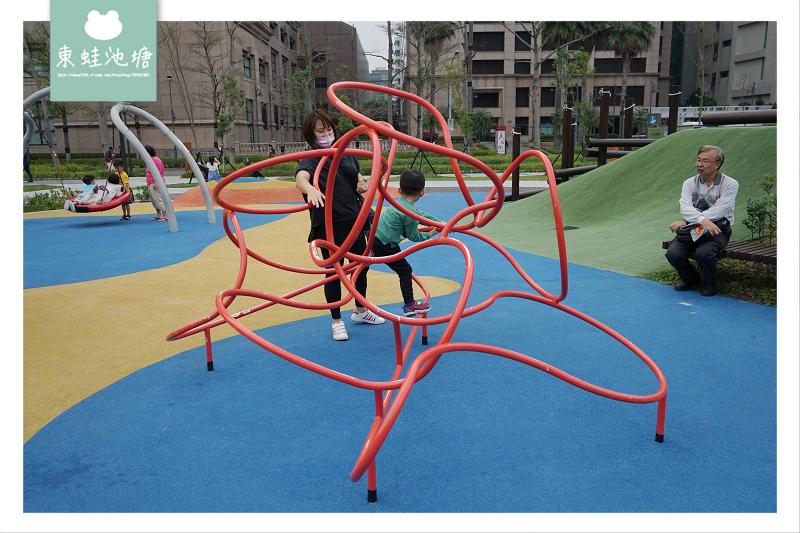 【台北內湖免費景點推薦】內湖共融式公園 魔力飛盤鞦韆/磨石滑梯/管型山丘/山訓遊戲場 大港墘公園共融式遊戲場