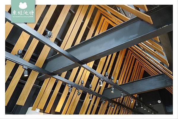 【嘉義民雄IG打卡景點推薦】全台最美星巴克 歐式教堂小屋造型 星巴克嘉義民雄門市