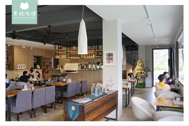 【新北市半日遊行程推薦】深坑莫內庭院咖啡吃臭豆腐比薩 山水綠公園玩滑索