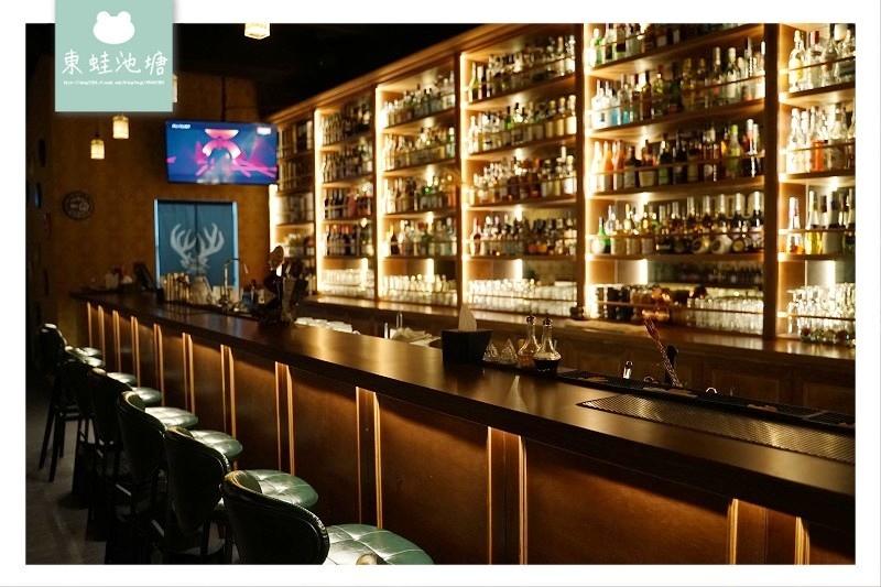 【台中酒吧推薦】網美拍照打卡 精緻調酒休閒打鏢 ALMA space 飛鏢酒吧
