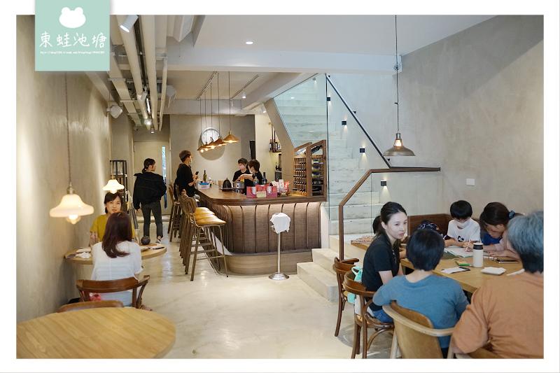 【台中草悟道聚餐推薦】傳統中式桌菜 老屋包廂用餐區 hechino 做茶菜