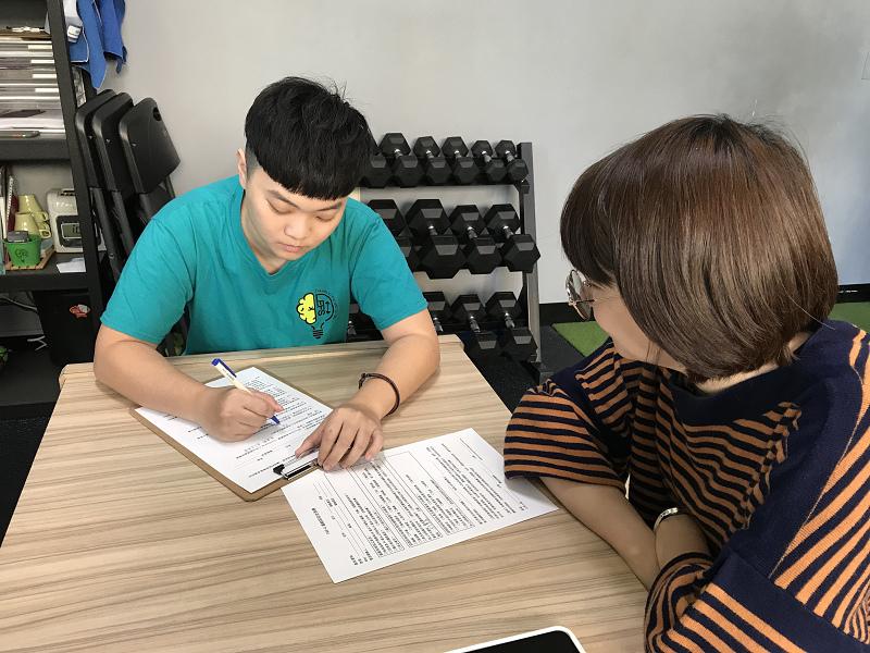 [高雄健身運動工作室推薦] EFS專業醫療背景教練群 專研健康生活