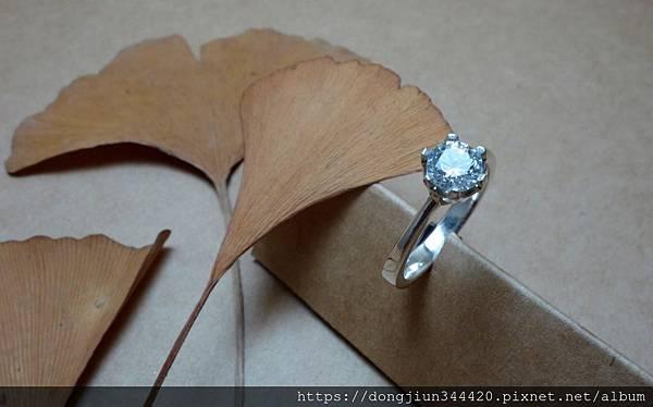 M.W 六爪鑲嵌戒指