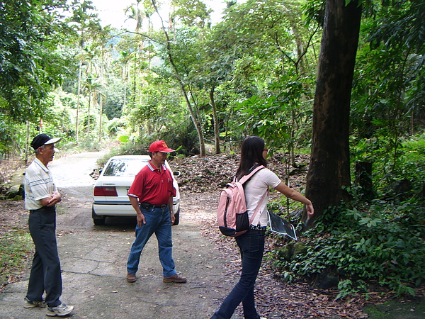 20100722東山自然休閒步道確認8處指引牌位置 (0).JPG