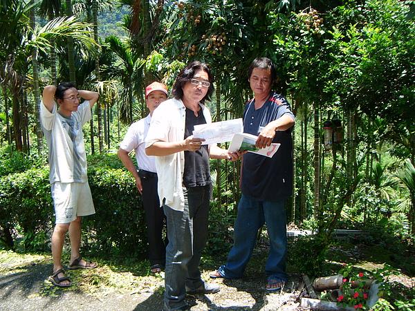 20100716東山自然休閒步道確認4個入口處&3處休憩點設置位置與模式 (5).JPG