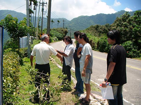 20100716東山自然休閒步道確認4個入口處&3處休憩點設置位置與模式 (2).JPG
