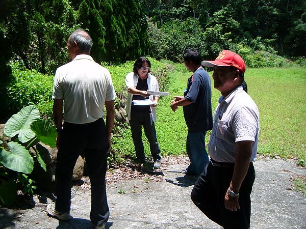 20100716東山自然休閒步道確認4個入口處&3處休憩點設置位置與模式 (4).JPG