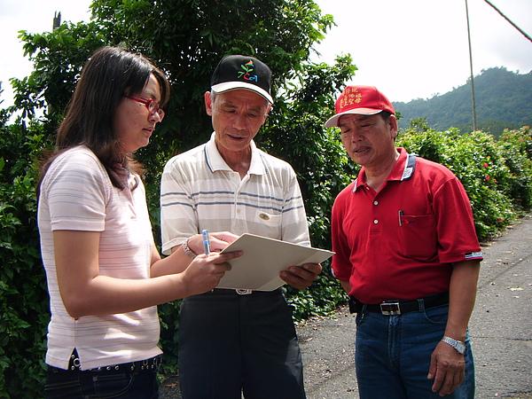 20100722東山自然休閒步道確認8處指引牌位置 (5).JPG