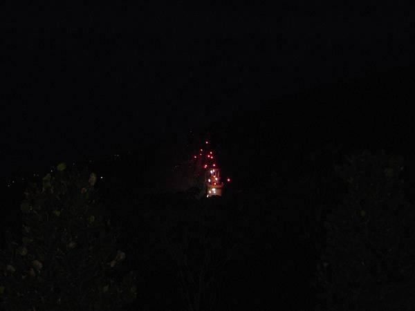 城堡中爆出火花