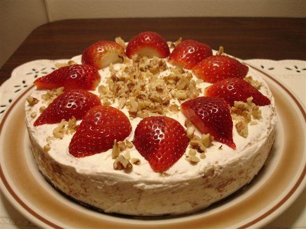 第四次烤蛋糕,第三次失敗的在學長肚子裡。