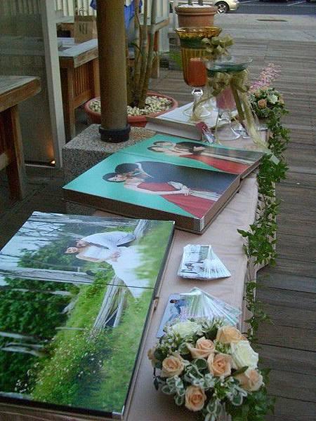 朵兒婚禮設計-花與燭相片桌