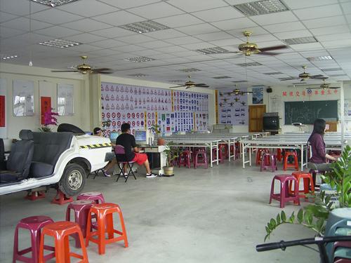 台中市西苑駕訓班(筆試練習教室)